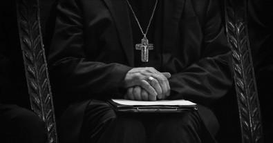 Katolik kilisesinde yine taciz skandalı! Kanadalı papaza çocuk pornosundan ceza