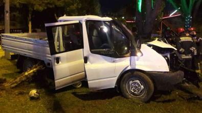 Manisa'da Trafik Kazasi Açiklamasi 2 Ölü