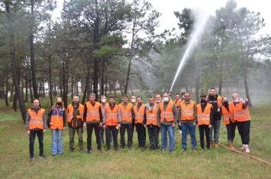 Orman Yanginlarina Bu Gönüllüler Müdahale Edecek