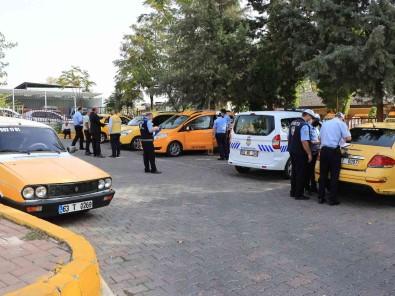 Sanliurfa'da Ticari Taksiler Denetlendi