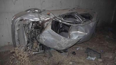 Takla Atan Otomobil Metrelerce Sürüklendi Açiklamasi Baba Ve Ogul Ölümden Döndü