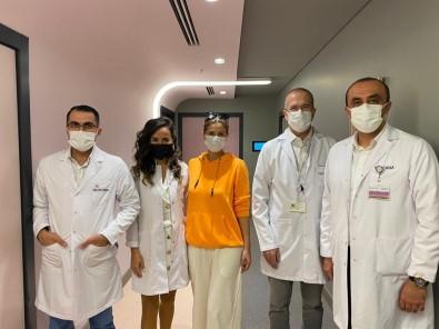 Tek Ameliyatla Safra Kesesi, Böbregi Ve Rahmi Alinan Hasta 48 Saat Sonra Evine Döndü