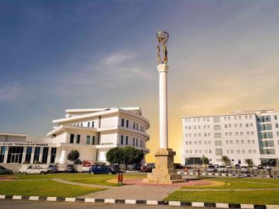 Yakin Dogu Üniversitesi Dünyanin En Iyi 250 Üniversitesi Arasinda Yer Aldi