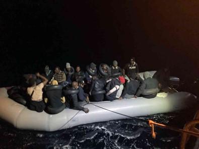 36 Düzensiz Göçmen Kurtarildi