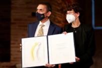 Yunanistan'da Özlem Türeci ve Uğur Şahin'e İmparatoriçe Theophano ödülü verildi