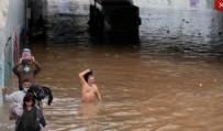 Yunanistan'ı sel vurdu! Atina sular altında kaldı!