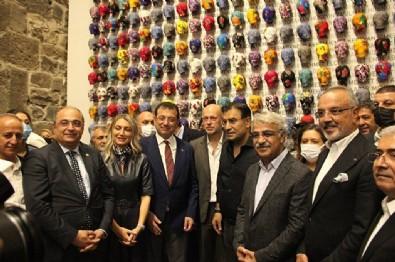 Diyarbakır annelerini ziyaret etmeyen Ekrem İmamoğlu HDP'lilerle sergi açtı