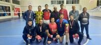 Eleskirt'te Kurumlar Arasi Voleybol Turnuvasi Sampiyonu Ilçe Jandarma Takimi Oldu Haberi