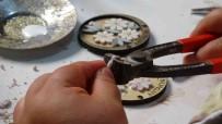 Mikro Mozaikler Taki Ve Çantalarda Hayat Buluyor