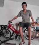 Motosiklet Telefon Diregine Çarpti Açiklamasi 1 Ölü, 1 Yarali