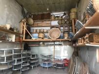 (Özel) Bayburt'ta Yarim Asirlik Dükkânda Ahsap Ürünler Zanaatkarin Elinde Hayat Buluyor