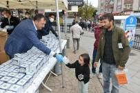 Tekirdag'da Vatandaslara Kandil Simidi Ikram Edildi Haberi