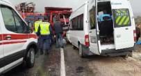 Kamyonetle Minibüs Çarpisti Açiklamasi 1 Ölü, 12 Yarali