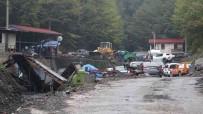 Maden Ocagindaki Göçükte Kalan Isçiyi Kurtarma Çalismasi Sürüyor