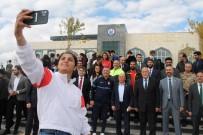 Olimpiyat Sampiyonu Busenaz Sürmeneli'nin Ismi Ögrencisi Oldugu Üniversitenin Spor Salonuna Verildi
