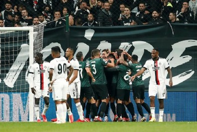 İstanbul'da Beşiktaş'a büyük şok! Sporting'den 4 gollü galibiyet!