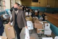 Karabük TSO'dan Ihtiyaç Sahibi Ögrencilere Giyim Yardimi