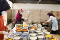 Safranbolu'da Her Gün 40 Aileye Sicak Yemek Dagitiliyor