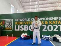 Sönmez, Veteranlar Dünya Judo Sampiyonu Oldu