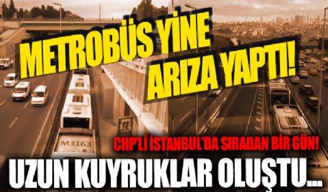 İstanbul'da metrobüs arızalandı! Edirnekapı durağında araç kuyruğu