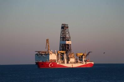 Yavuz sondaj gemisi yola çıktı! İstanbul Boğazı'ndan geçişi görüntülendi