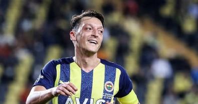 Mesut Özil'den meraklandıran paylaşım!