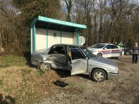 Bartın'da İki Otomobil Çarpıştı Açıklaması 1 Yaralı