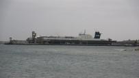 Çanakkale'de Yanan Ro-Ro Gemisi Limana Yanaştırıldı