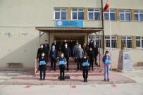 Eskişehir Sanayi Odası Ve TOBB Eskişehir GGK'dan Öğrencilere Tablet Desteği