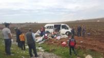 Tarım İşçilerini Taşıyan Minibüs Devrildi Açıklaması 13 Yaralı