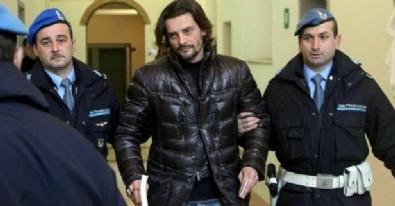 Dünyaca ünlü futbolcu tutuklandı