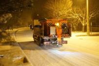 Ürgüp Belediyesi, Kar Küreme Ve Tuzlama Çalışmalarını Sürdürüyor