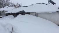 Karlıova'da Kar Kalınlığı 1 Metreye Yaklaştı