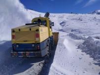 Kayseri'de Kar Nedeniyle Kapanan Yollar Açıldı