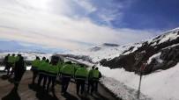 Altın Madeni İşçileri 15 TL'lik Zamma Tepki İçin Eylem Yaptı