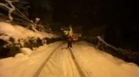 Kardan Kapanan Köy Yolunu Kayak Merkezine Çevirdi
