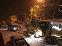 Rize'de Kar Nedeniyle Yolda Kalan Ambulansın İmdadına İl Özel İdare Ekipleri Yetişti