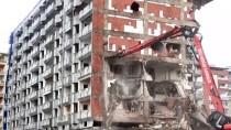 Rize'de Kentsel Dönüşüm Projesi Kapsamında Bazı Yapıların Yıkımı Sürüyor