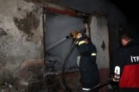 Amasya'da Bağ Evi Yandı, Türk Bayrağı Zarar Görmedi