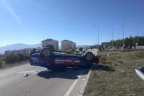 Burdur'da Jandarma Ekip Aracı İle Otomobil Çarpıştı Açıklaması 4 Yaralı