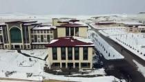Bayburt Üniversitesinin Yer Altında Depoladığı Kar Suyu Yazın Can Suyu Olacak
