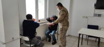 Donmak Üzere Olan Vatandaşları Jandarma Kurtardı