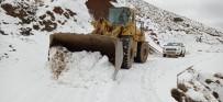 Batman'da Kar Yağışı Nedeniyle Ulaşıma Kapanan Köy Yolları Ulaşıma Açıldı