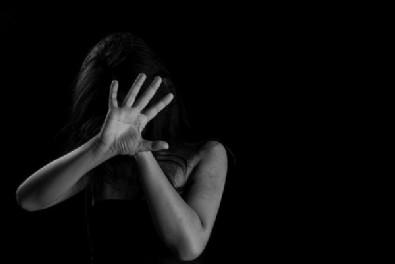 İstanbul'da toplu tecavüz! 5 kişi genç kadını kaçırıp...