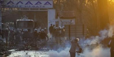 AK Parti'den Yunanistan'a sert tepki: Bu sınır koruma değil insan hakları ihlalidir!