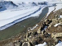 Beyaza Bürünen Murat Kanyonu, Manzarasıyla Göz Kamaştırıyor