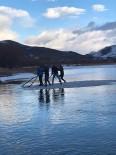 Buzu Sal Yapıp Çoruh'ta Gezintiye Çıktılar