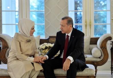 """Emine Erdoğan """"İyi ki doğdun"""" diyerek paylaşmıştı... İşte ilk kez yayınlanan o fotoğrafın hikayesi"""