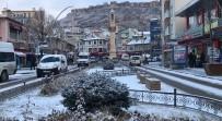 Bayburt'ta Lapa Lapa Kar Yağışı