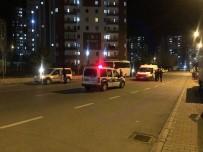 Yol Kenarındaki Şüpheli Çanta Polisi Harekete Geçirdi